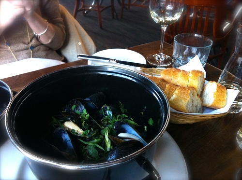 Mussels Oceanwise coconut curry sauce, Asian herbs